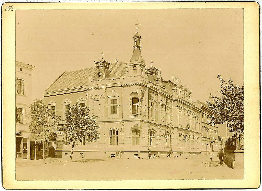 Pałacyk Zdzisława Włodka św. Filipa 25. Po sąsiedzku, przy ul. św. Filipa 23