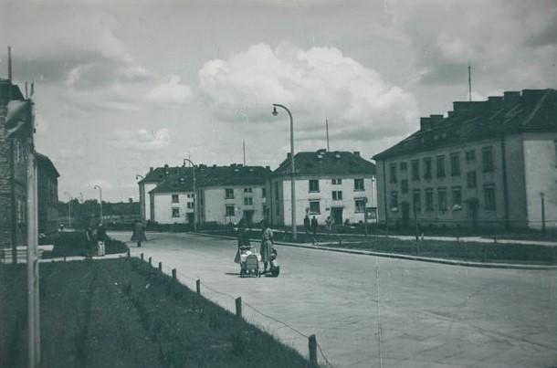 Miasto Nowa Huta. Widok na bloki mieszkalne osiedla A –